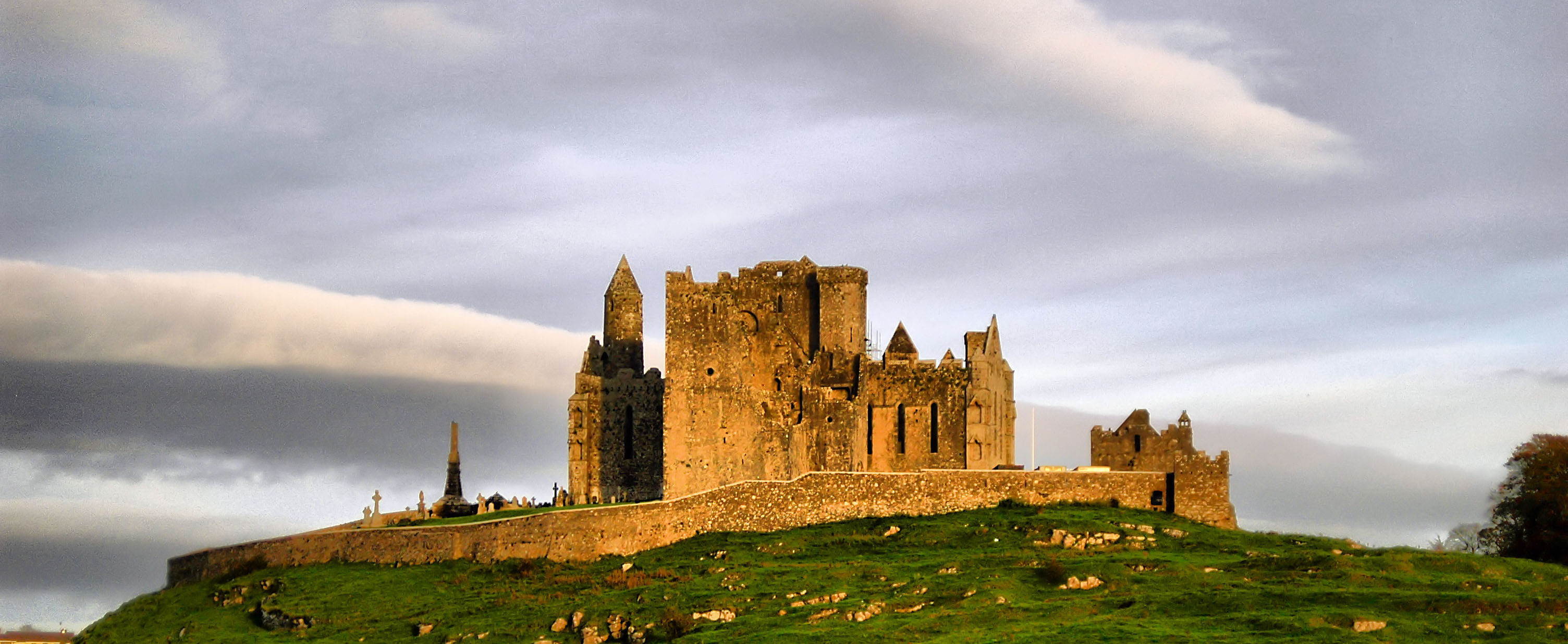 castle rock of cashel